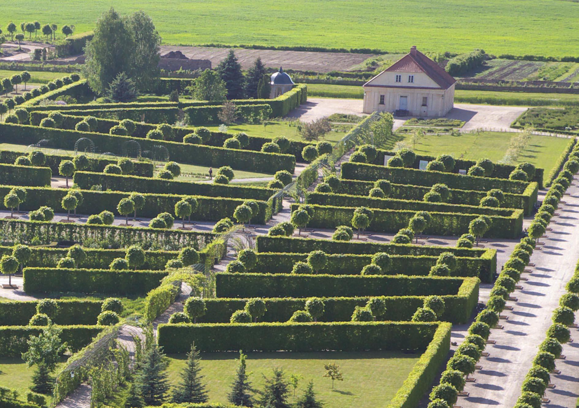 7 palacios barrocos con jard n que har n que quieras vivir for Jardines barrocos